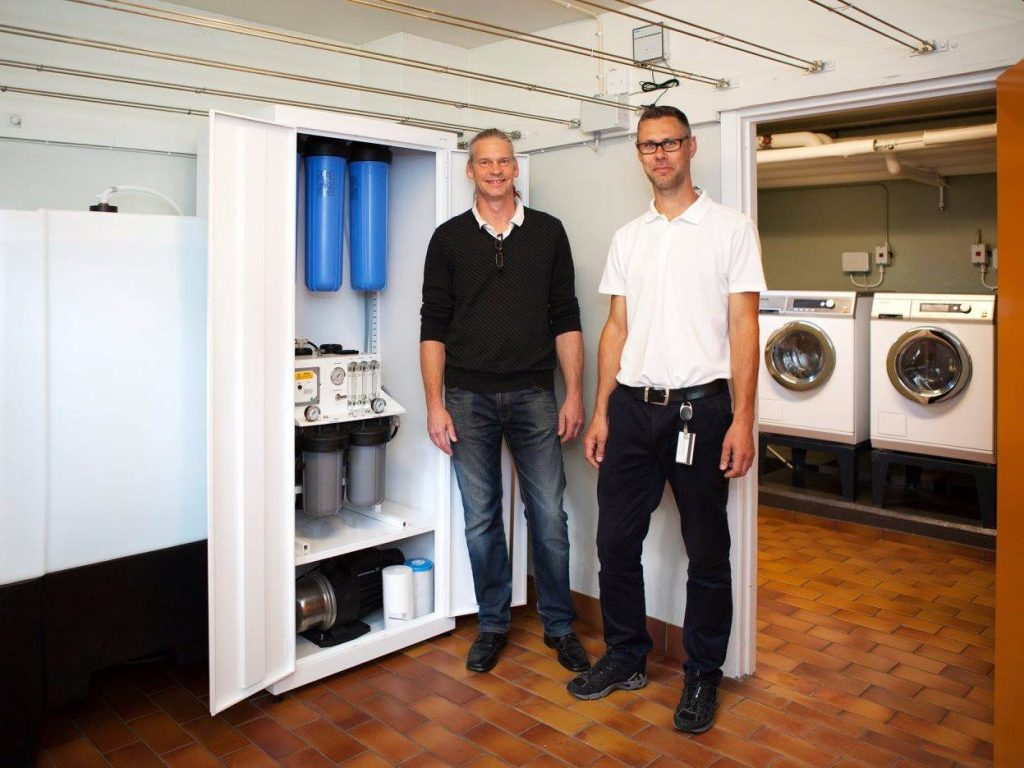 Swedish firm invents system that washes clothes without detergent