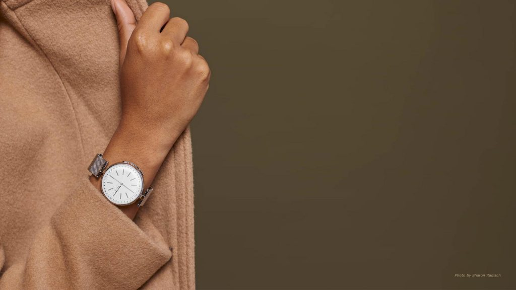 This small smartwatch is particularly designed for females