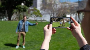 Mobile Augmented Reality – 3D Visuals in Smartphones